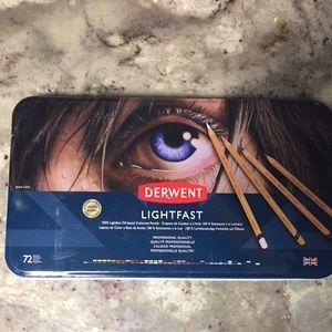 Derwent Lightfast Coloured Pencils 72 brand new